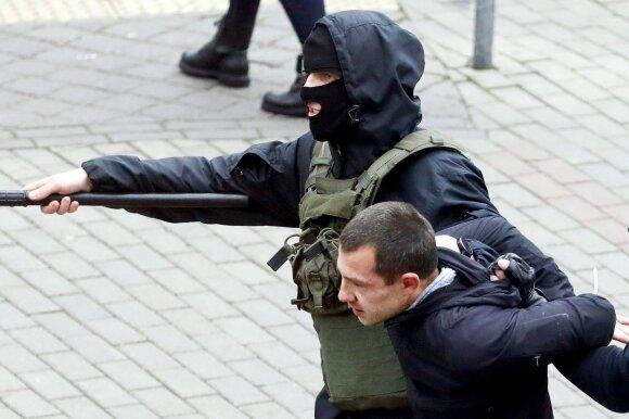 Из тотальной психической травмы Беларусь будет выходить долго. По рецепту Германии после Второй мировой