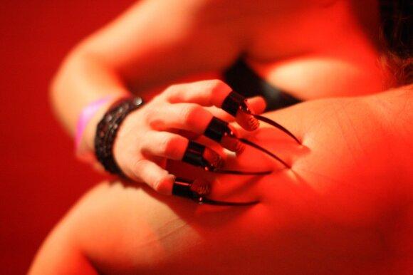 Moteris apsilankė naktiniame fetišistų klube: atviras seksas, bet griežtos taisyklės