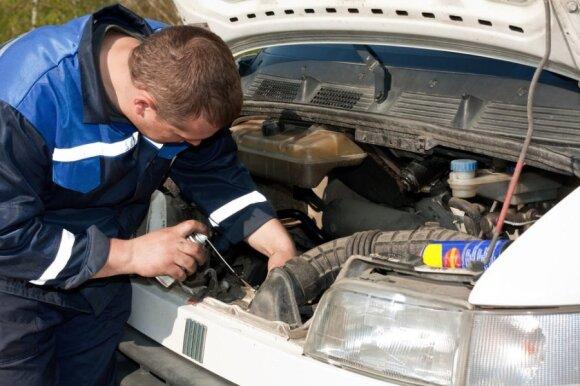 Patyręs mechanikas palygino: prancūziški automobiliai sukurti važiuoti trumpiau nei vokiški