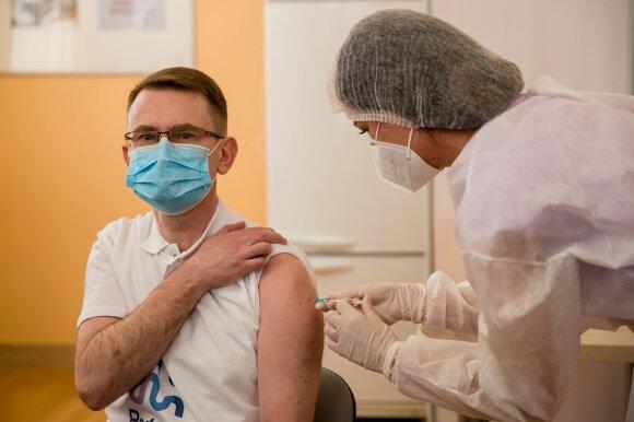 25-erių klaipėdietį į ligoninę paguldė nauja koronaviruso atmaina: sunkiai sergančiųjų amžius jaunėja