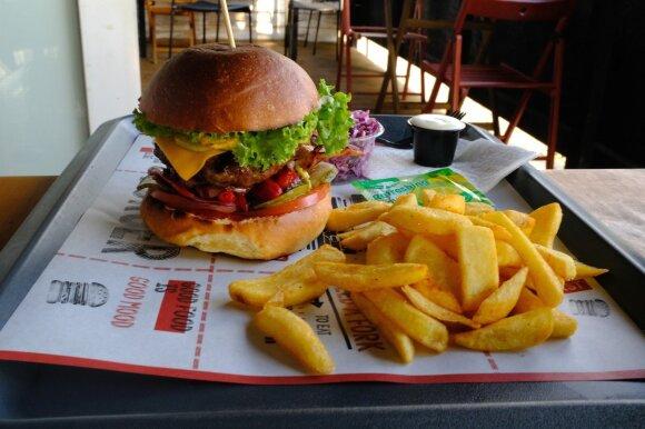 Užkalnis apsilankė Burger Street