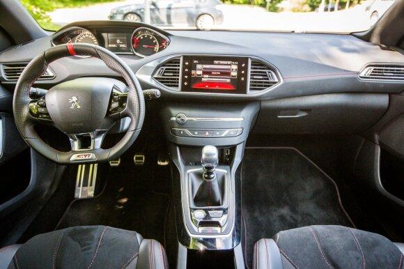 """Peugeot 308 GTi"" interjeras"
