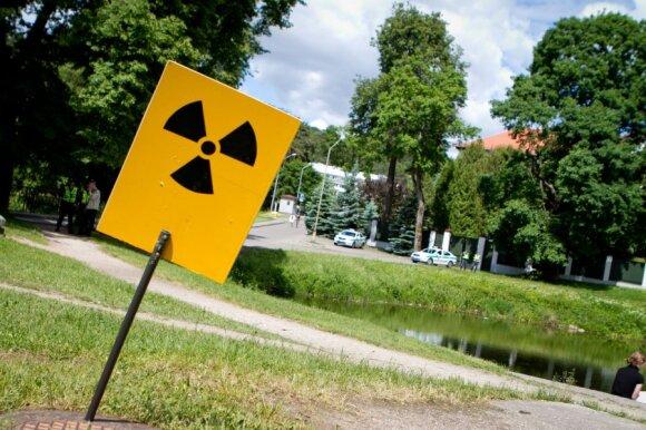 Protesto akcija prie Baltarusijos atominę elektrinę
