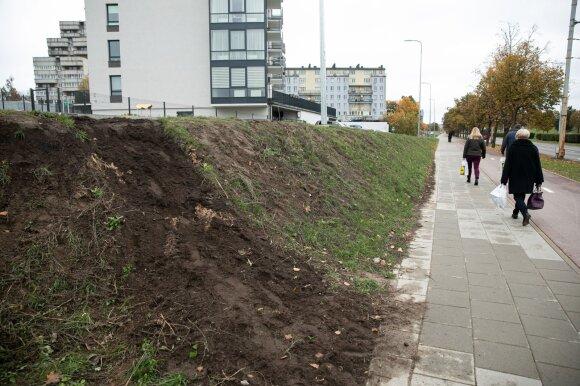 Vilnius problemas sprendžia paprastai: už tai, kad skundėsi, gyventojus paliko be laiptų