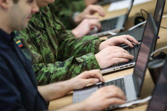 Kaip Lietuvoje rengiami kibernetiniai kariai: šį rezervą aktyvuotų iš bet kurio pasaulio taško