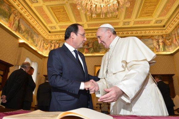 Popiežius Pranciškus, Francois Hollande'as