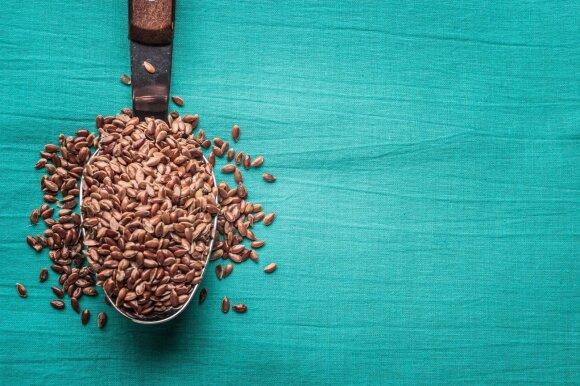 Linų sėmenys – naudingesni už kitas sėklas: šaukštelis kasdien gali apsaugoti nuo rimtų ligų