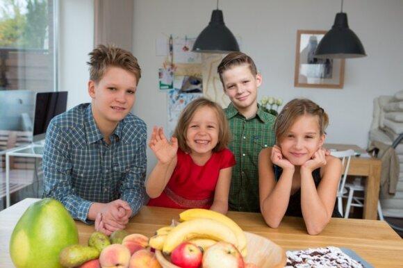 Augustas Gabrielius (14 m.), Gertrūda Elena (6 m.), Vilhelmas Konstantinas (12 m.), Morta Sofija (9 m.)