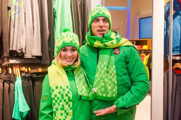 Deividas Stagniūnas ir Isabella Tobias matuojasi olimpinius kostiumus