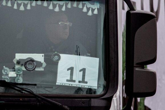 Baltarusių svarba Lietuvai: apkrauna uostą, vairuoja vilkikus, leidžia atostogas
