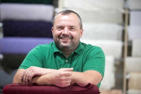 Garsiems Lietuvos politikams – griežtas aprangos eksperto kirtis