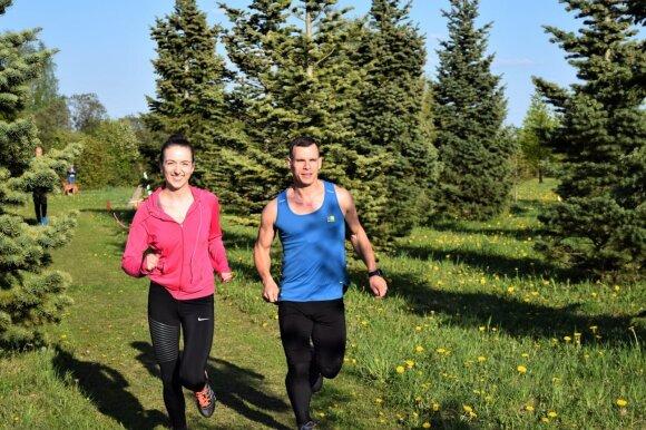 Geru oru pora bėgioja kartu.