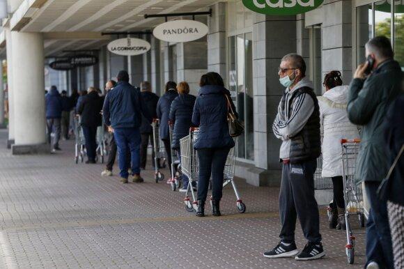 Koronavirusas pasaulio ekonomikai gali kainuoti 2,7 trln. dolerių. Štai kodėl