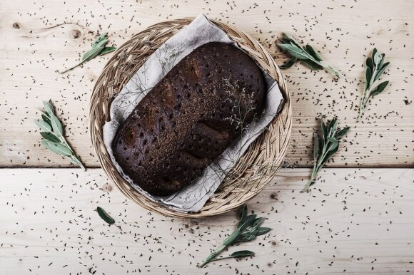 Vietoje pamėgtų trapučių ragina rinktis duoną