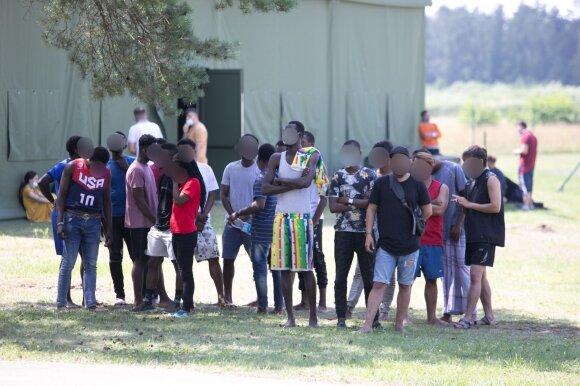 Tarp neteisėtų migrantų plinta COVID-19 ir kitos ligos: pasienio savivaldybės neviltyje