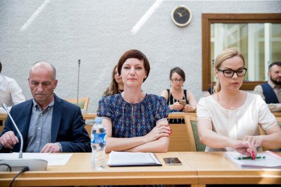 Monika Garbačiauskaitė-Budrienė (centre)