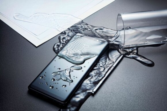 Telefonas vandenyje