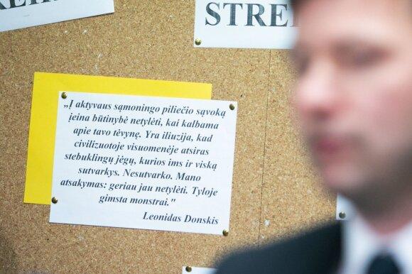 Mokytojų streikas verčia tėvus imtis kardinalių priemonių: streikuojantiems tai atrodo juokinga