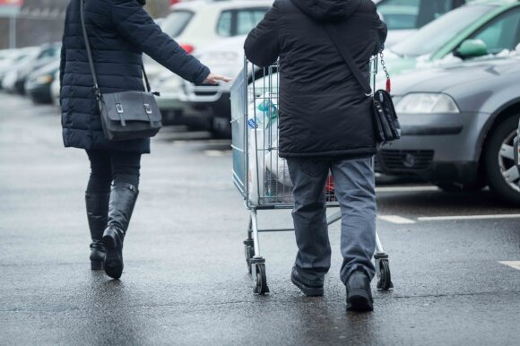 Prekybos tinklai apsisprendė dėl darbo per Kalėdas – nedirbs nė vienas