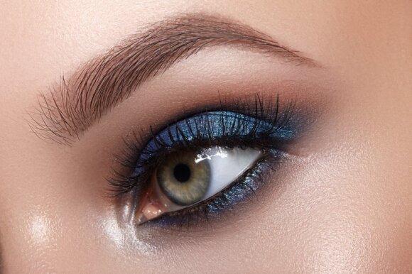 Mėlyni akių šešėliai