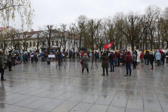 Kaune vyko protesto akcija prieš profilaktinį mokinių testavimą