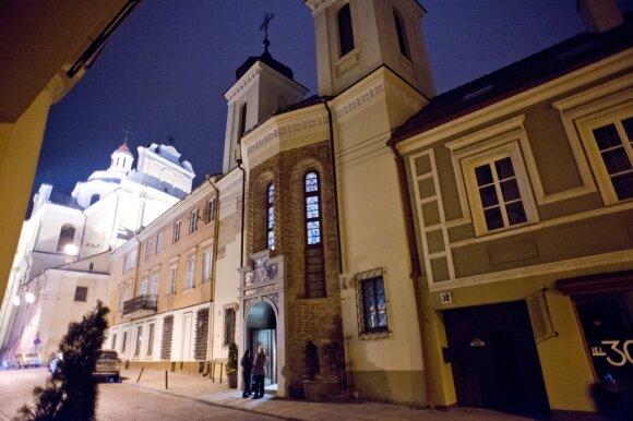 Vilniaus bažnyčioje – siaubingi išpuoliai: prie altoriaus – dar neregėtos orgijos