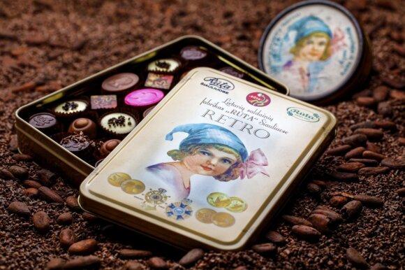 Lietuviško šokolado istorija: ne visiems prieinamo produkto reklama šiais laikais šokiruotų