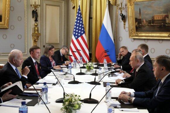 Putino ir Bideno susitikimas: kas vyko už uždarų durų