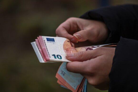 Su Rachinšteinu siejamas verslas skelbimuose siūlo dešimtis prekybos centrų – kainos viršytų 100 mln. eurų
