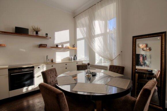 125 kv.m butas Vilniuje: autentiška elegancija