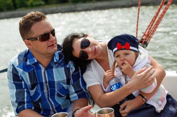 Atviras A. Rimiškio interviu: praradęs kelis milijonus dainininkas dėkoja likimui už nuostabią žmoną ir dukterį