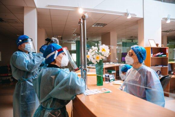 Pamačiusi pervestą atlyginimą Šiaulių ligoninės medikė liko šokiruota: gydymo įstaigos versija – kitokia