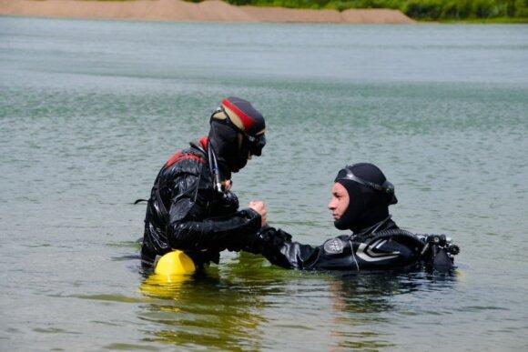 Vytis mokina nardyti ežere