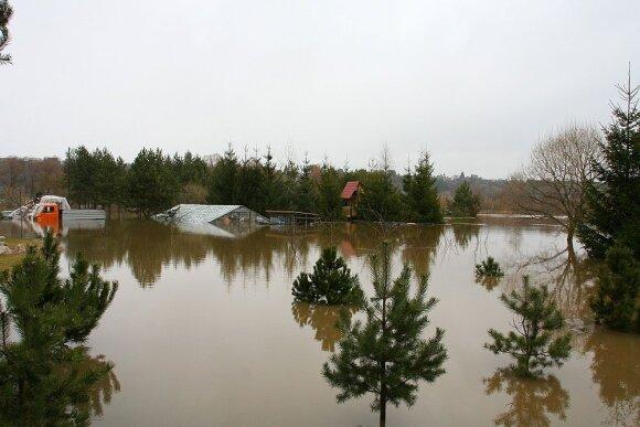 Kauno r. laukiama potvynio: žmonės raginami išvykti, kaupti atsargas, išmokti pagalbos ženklus