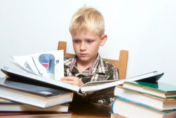 Kas kaltas, kad šiuolaikiniai vaikai neskaito knygų?