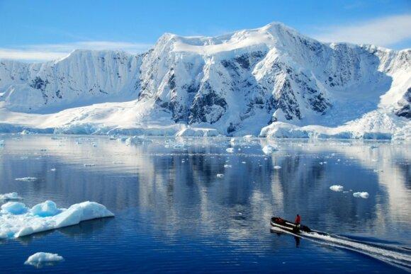 Trigubai paspartėjęs Antarkties ledynų tirpsmas kelia grėsmę milijonams