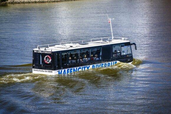 Plaukiantis autobusas Hamburge