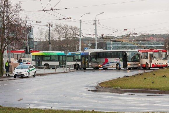 Autobusų avarija