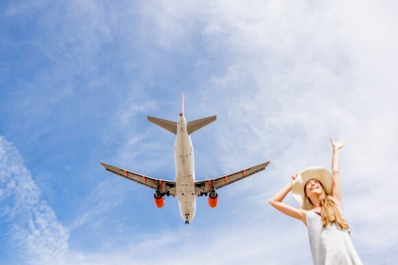 Oro linijos skelbia konkursą: mokės atlyginimą už keliavimą po pasaulį