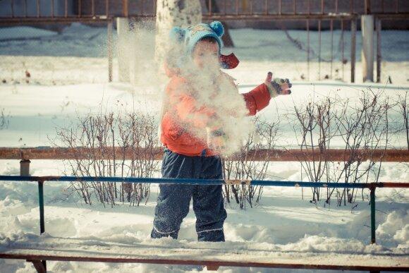 Vaikų žaidimai lauke žiemą: idėjos, ką veikti