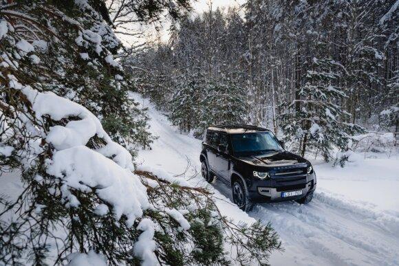 Gausus sniegas atskleidė silpnąsias netikrų visureigių ir juos pamėgusių vairuotojų vietas