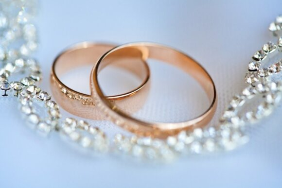 Brolis Pijus: kam santuokos įžadų atnaujinimas tinka ir kaip neperlenkti lazdos