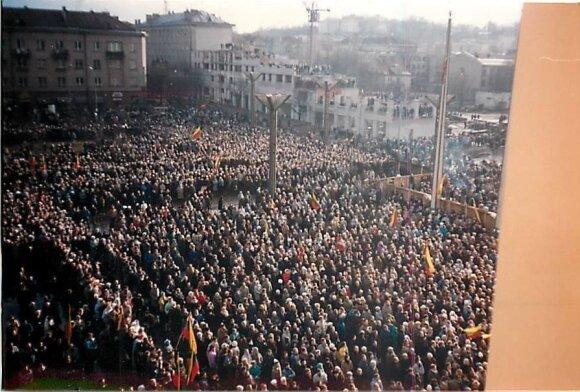 January 13, 1991. Photo by Linas Muliolis