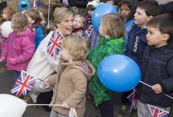 Anglijoje gyvenančią keturių vaikų mamą piktina situacija Lietuvoje: absoliučiai nenormalu