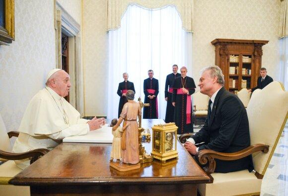 Popiežius Pranciškus, Gitanas Nausėda
