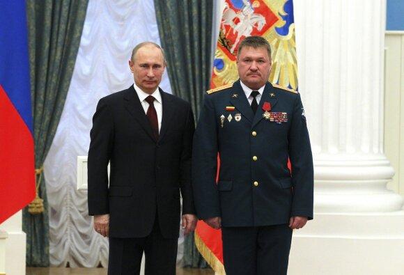 Vladimiras Putinas, Valerijus Asapovas