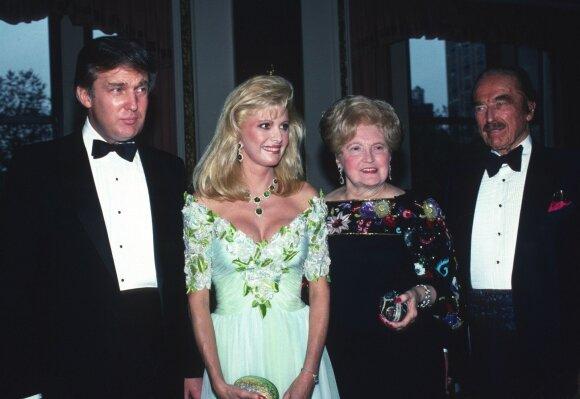 Donaldas su tėvais ir žmona