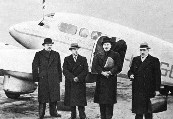 Jonas Norkaitis, Stasys Raštikis, Juozas Urbšys, Kazys Bizauskas 1939 m. spalio 7 d.