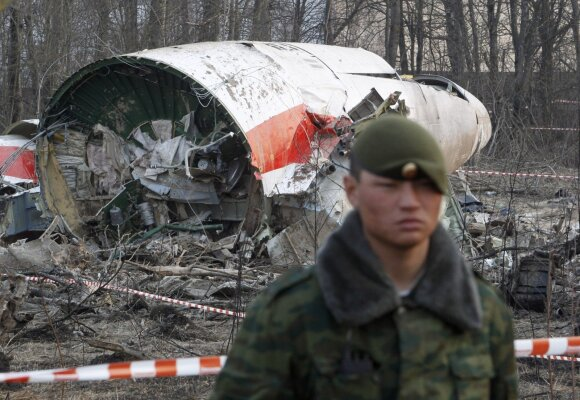 Skelbia naujas Smolensko katastrofos detales: metė rimtus kaltinimus rusams