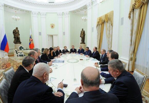 Путин возложил ответственность за развал Советского Союза на коммунистов